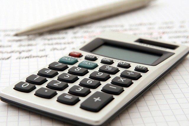 ekonomia czy finanse i rachunkowość